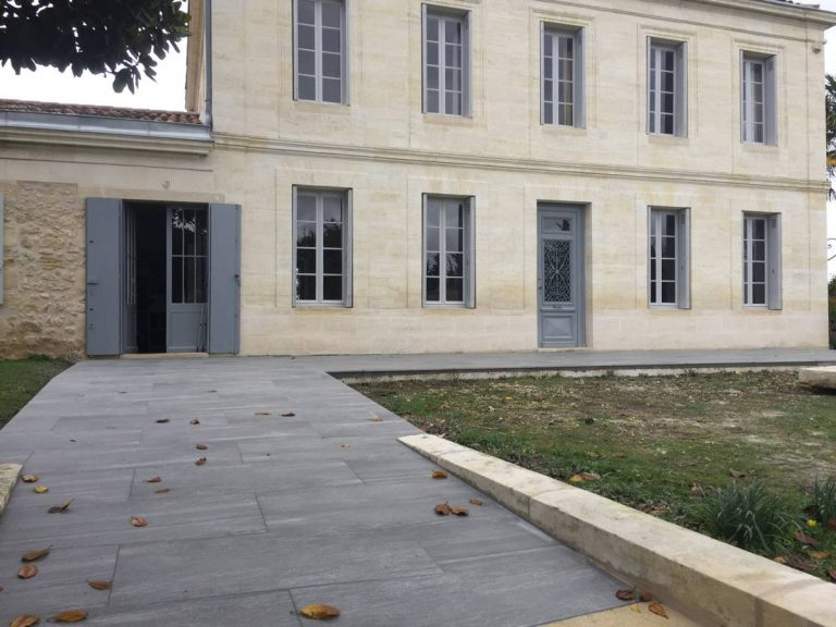 Pose de terrasse en dallage grès cérame BOULIAC près BORDEAUX